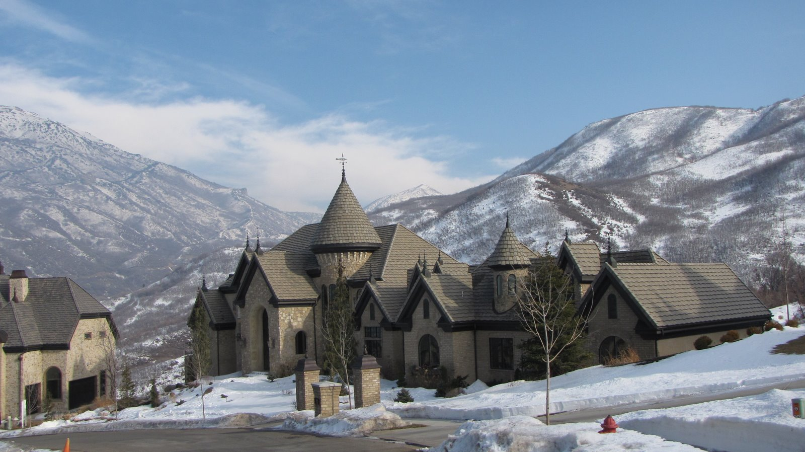 New Lds Temple And Big Houses The Wonderful World